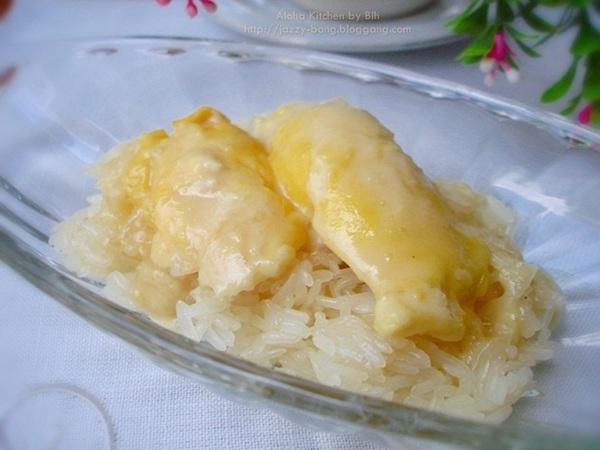 Fresh coconut milk and durian sticky rice, Travel to Chanthaburi
