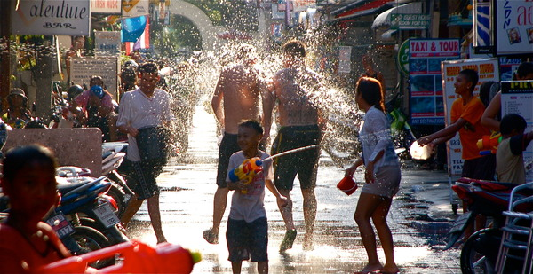 Songkran, Travel to Bangkok