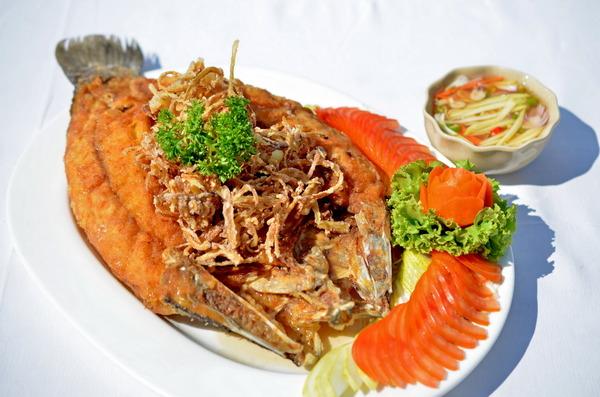 Deep Fired sea bass with fish sauce, Travel to Bangkok
